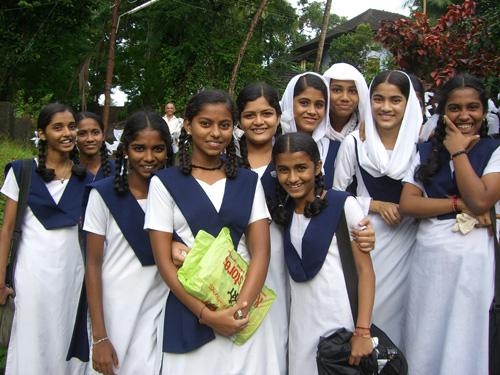 mahe-india-filles4.jpg