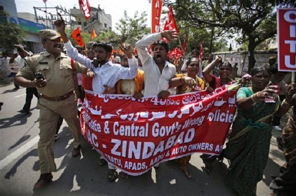 600x399xindia-strike-workers.jpg.pagespeed.ic.U-I9tJ30ps